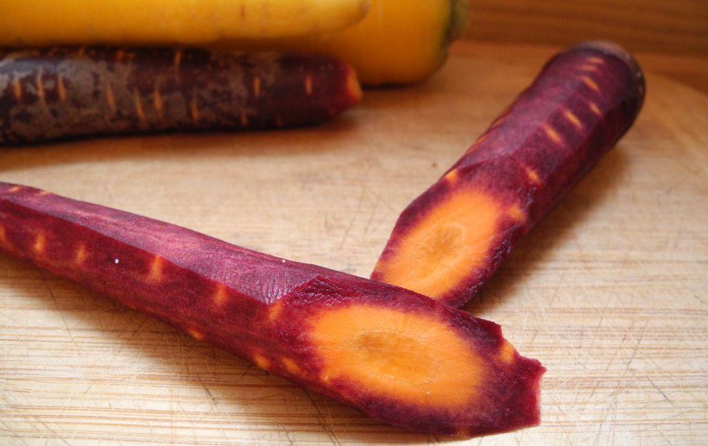 Carottes multicolores rainbow bio Provence Les Paniers Davoine