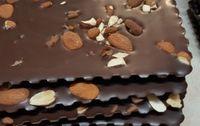 Chocolat noir (75%) et noisettes grillées bio